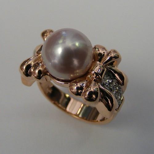 Custom-Pearl-Bow-Ring-03-31